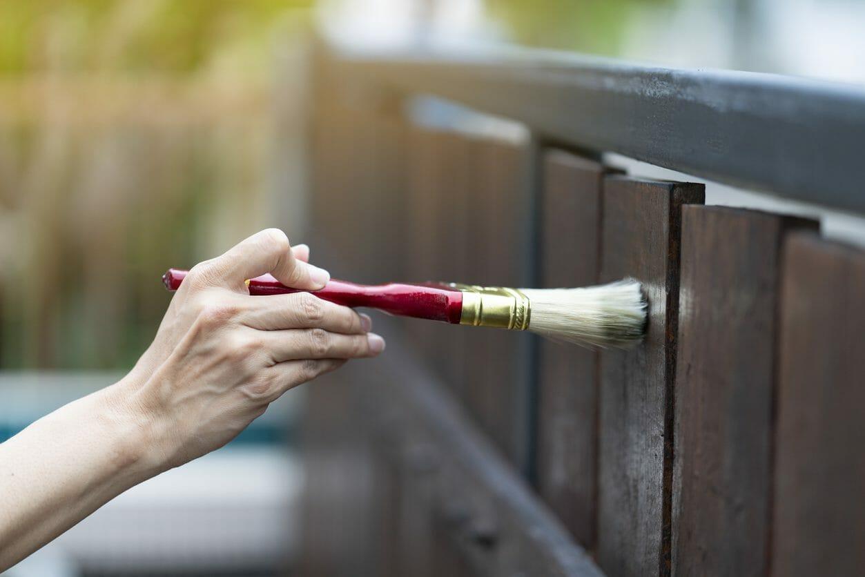 格安でベランダやバルコニーの外壁塗装の補修をするには?