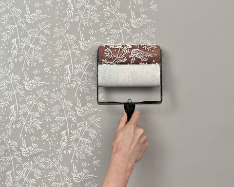 格安・激安で4畳半のクロスや壁紙の張替えをするには?