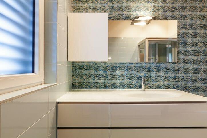 洗面台の設置取り付けや増設にかかる工事費用は?