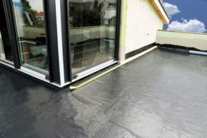 バルコニーの塗装や補修・修理にかかる費用は?