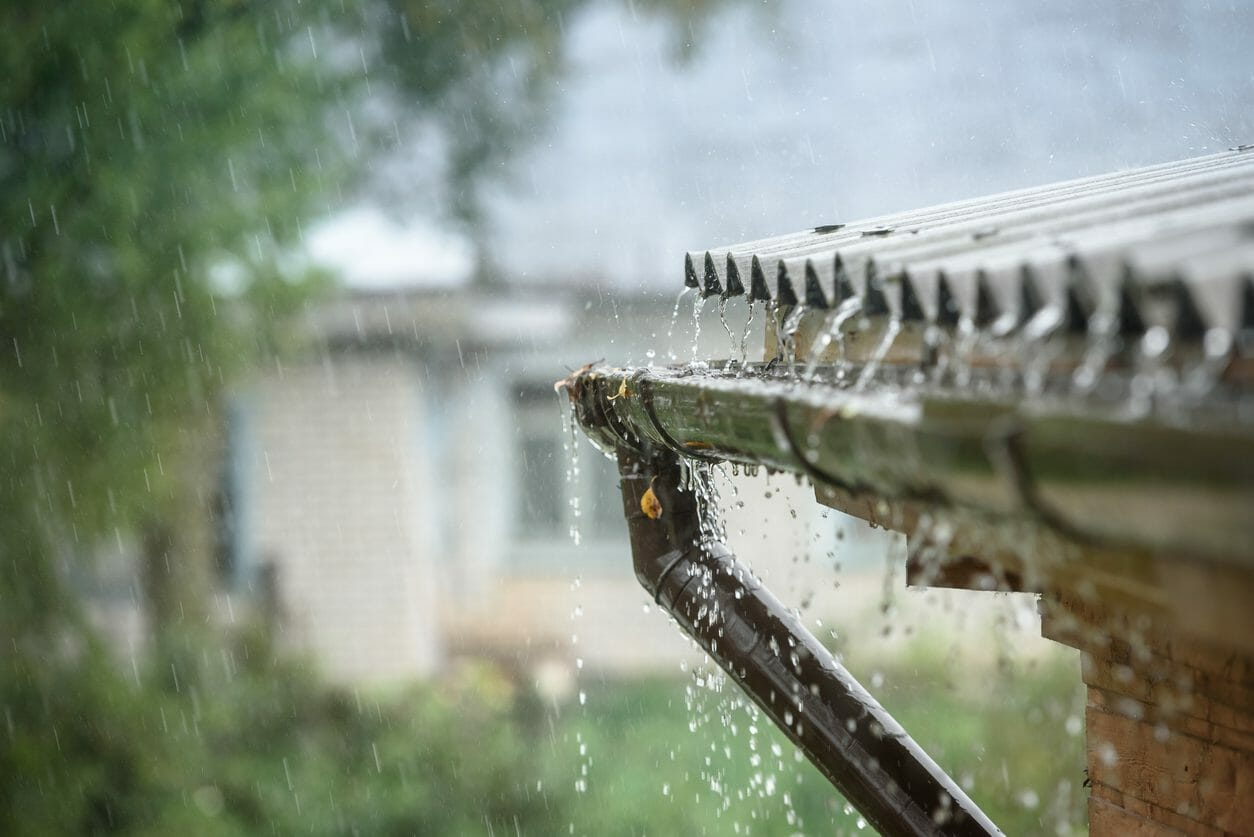 雨樋の修理や交換工事のリフォーム費用・価格の相場は?