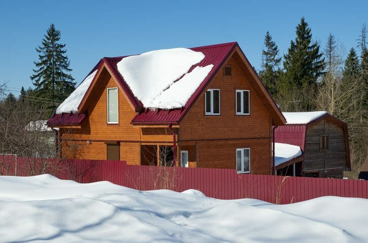 屋根の雪止め金具を後付けする工事費用・価格の相場は?