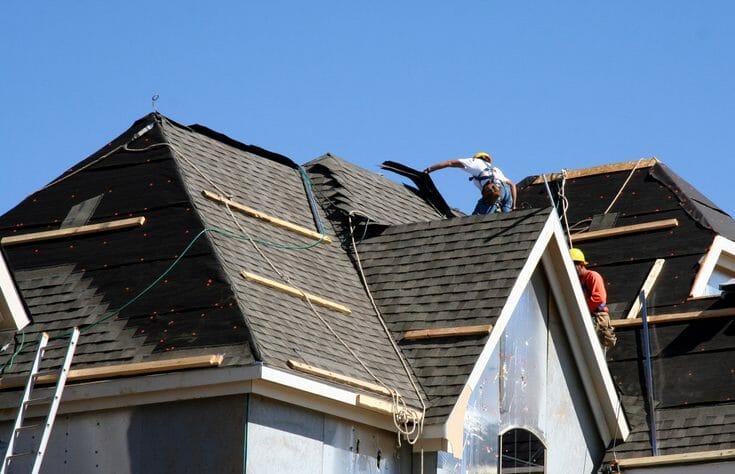 屋根工事の足場を組む費用・価格の相場は?