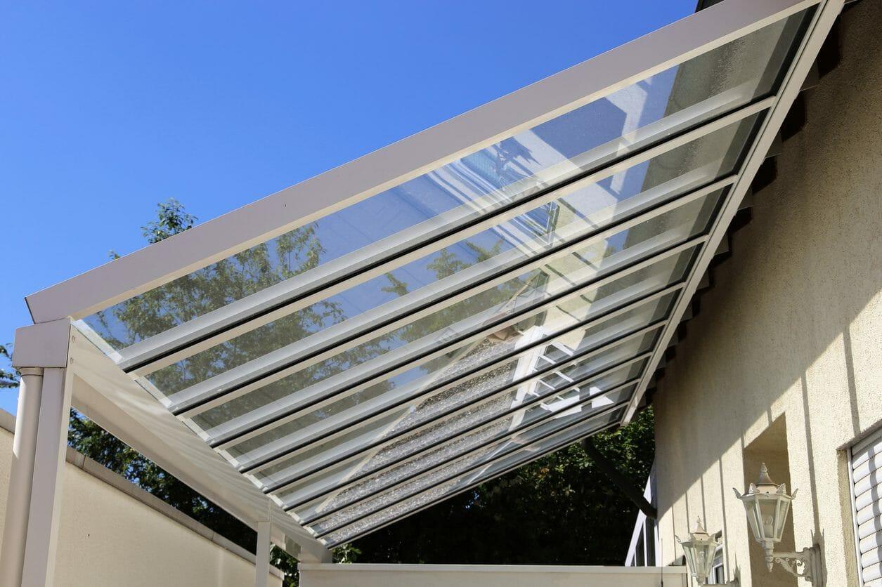 駐車場(カーポート)の屋根の修理費用・価格は?
