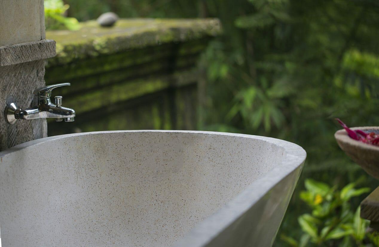 庭(ガーデン)の水道の増設や移動・設置リフォームの費用は?