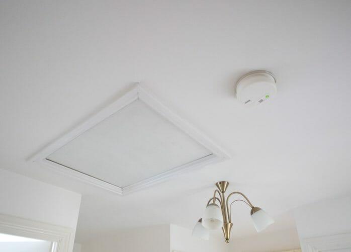 天井に点検口を取り付けるのにかかる費用・価格の相場は?