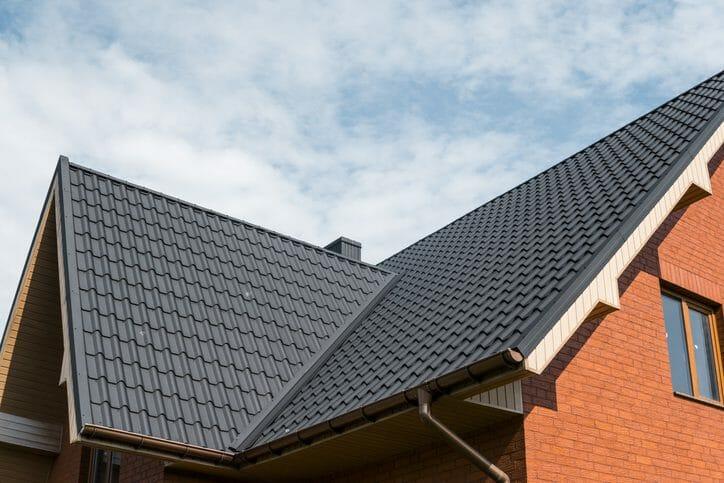 ベランダの屋根の修理費用・価格の相場は?