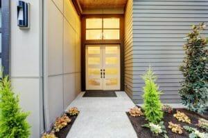 玄関・ドアのリフォーム工事費用・価格の相場は?