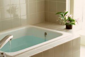 狭くて小さいお風呂を広くて大きくするリフォームにかかる費用は?