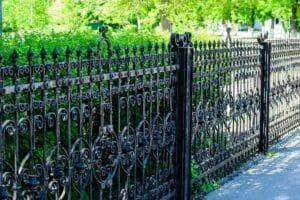 鋳物フェンスの取り付け価格は?