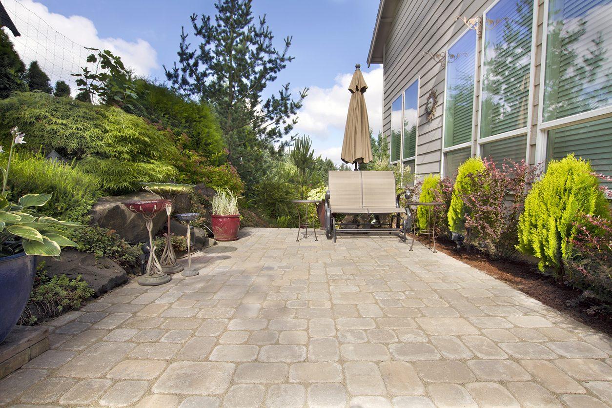 庭をコンクリートにするメリット・デメリットは?