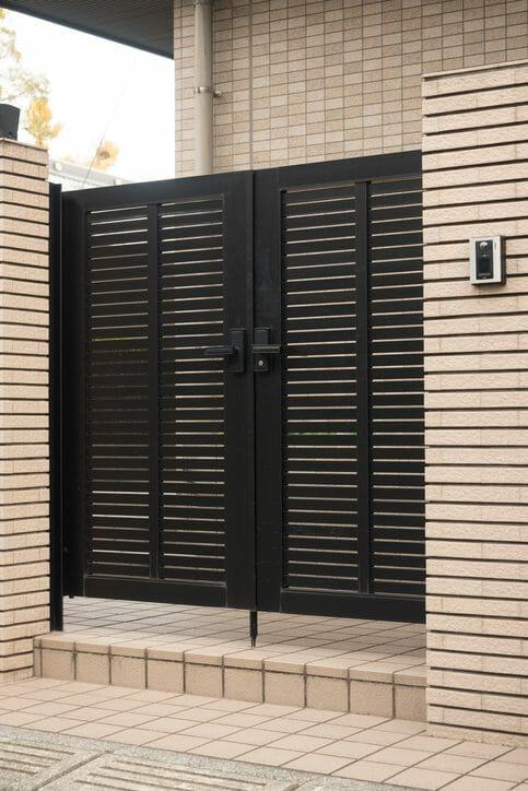 門扉を取り付けるリフォーム費用・価格の相場は?