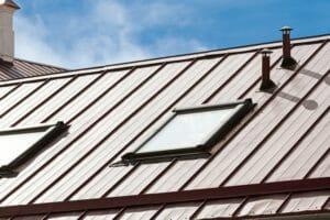 スレート屋根をカバー工法でリフォームする費用は?