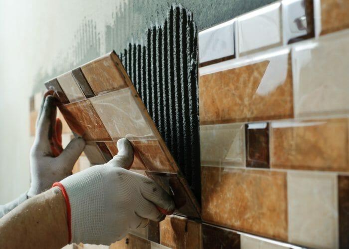 外壁のタイルの洗浄・清掃にかかる費用や価格の相場は?