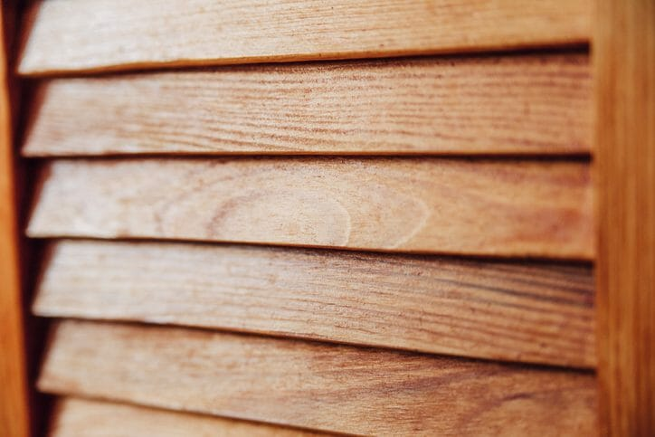 人工木ルーバーを取り付ける費用・価格は?