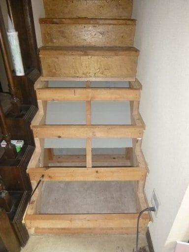 階段を架け替えるリフォーム費用は?