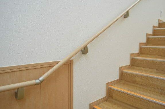 人気でおすすめできる階段の手すりのメーカーは?