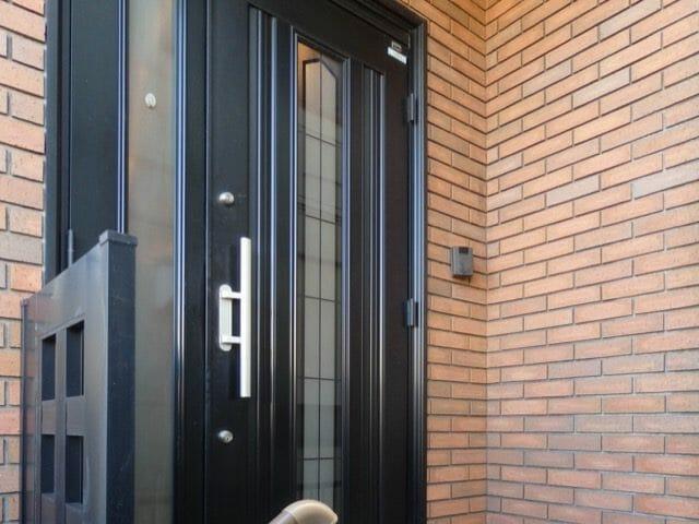 相模原で玄関ドアのリフォームが評判の会社と施工事例を紹介!