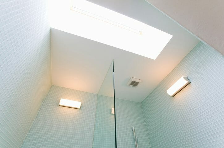 浴室の天井をリフォームする費用は?