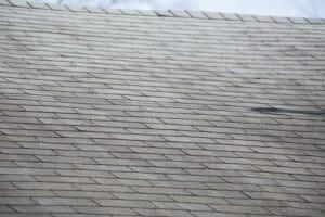 瓦屋根をリフォームする費用や価格の相場は?
