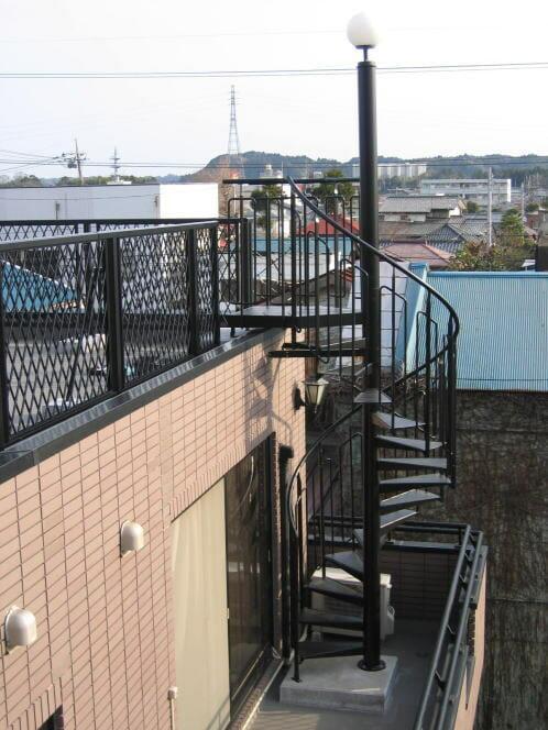 屋上の階段設置・補修工事にかかる費用や価格・相場は?