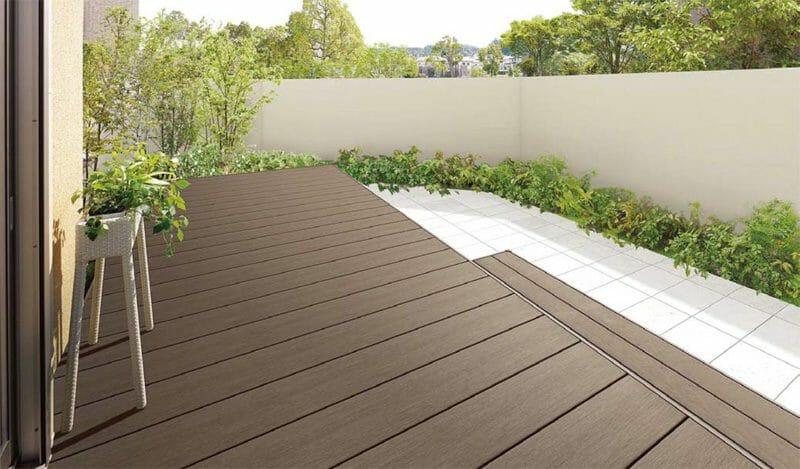 人工木と天然木ウリンの素材の特徴比較