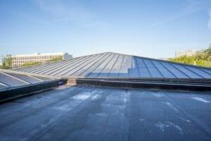 ガルバリウム鋼板の屋根、塗装リフォームする?気になる費用と併せて紹介!
