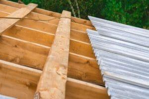 波板屋根の修理にかかる費用の相場は?