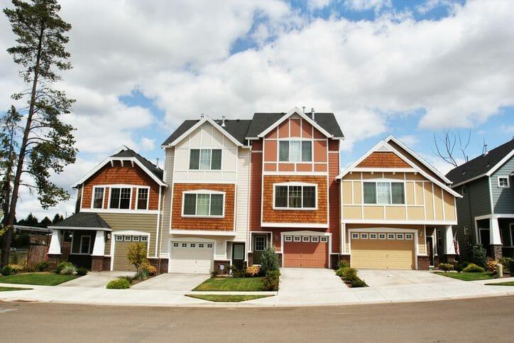 二世帯住宅にするメリットとデメリットは?完全分離、部分同居などの詳細も解説します
