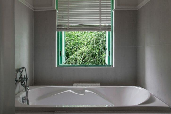 浴室の換気扇を交換する費用は?