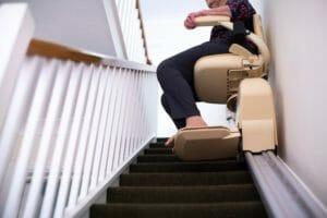 自宅に介護用の昇降機(エレベーター)を設置することはできる?設置の費用と特徴を紹介!