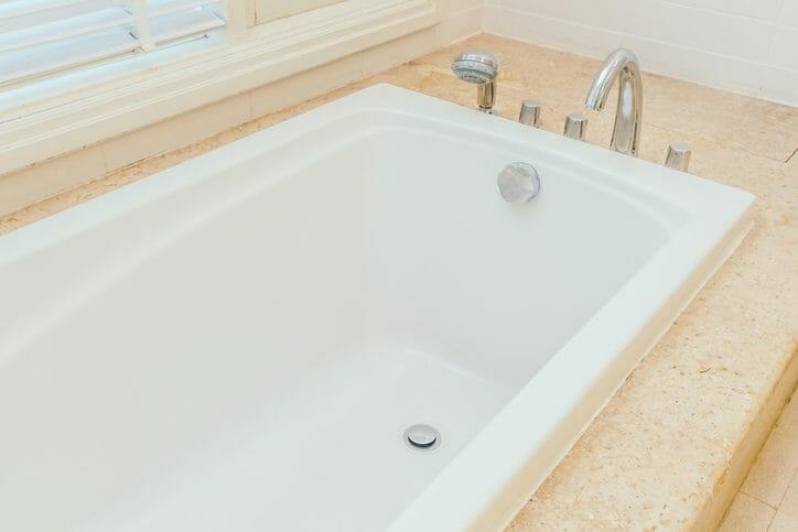 ユニットバスの浴室の塗装にかかる費用とメリットは?