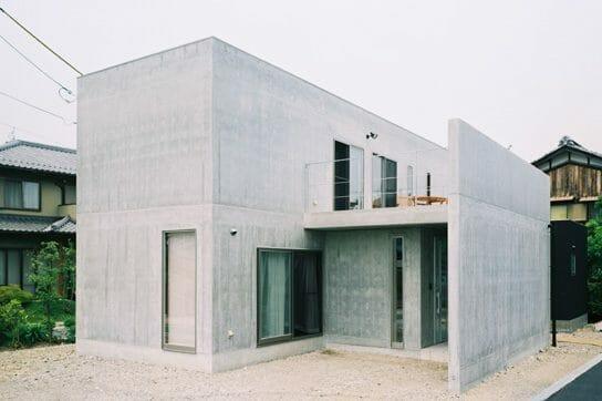 鉄筋コンクリート造住宅の耐震性は高い?特徴や注意点も解説