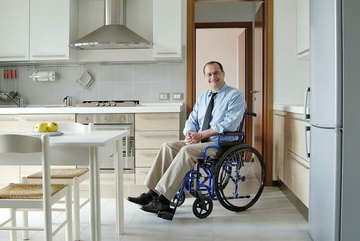 車椅子の方や高齢者向けのバリアフリーリフォームにかかる費用や工期はどれくらい?