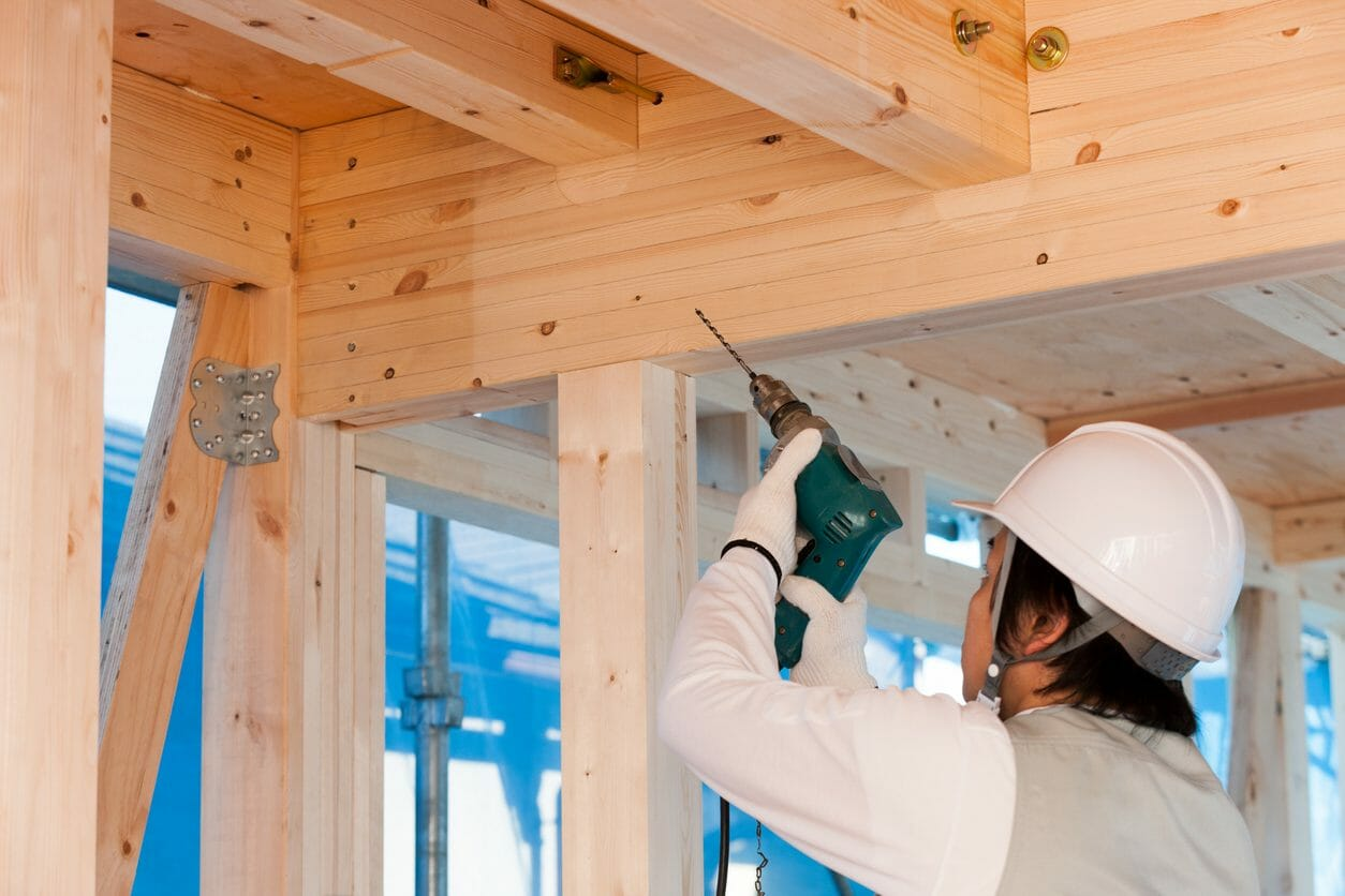 柱の補強で耐震性を上げる場合の費用や注意点をご紹介します。