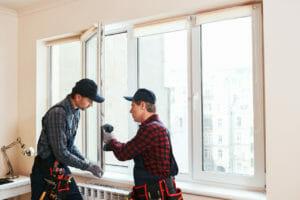 窓を耐震強化するときに発生する費用や注意点をご紹介します。