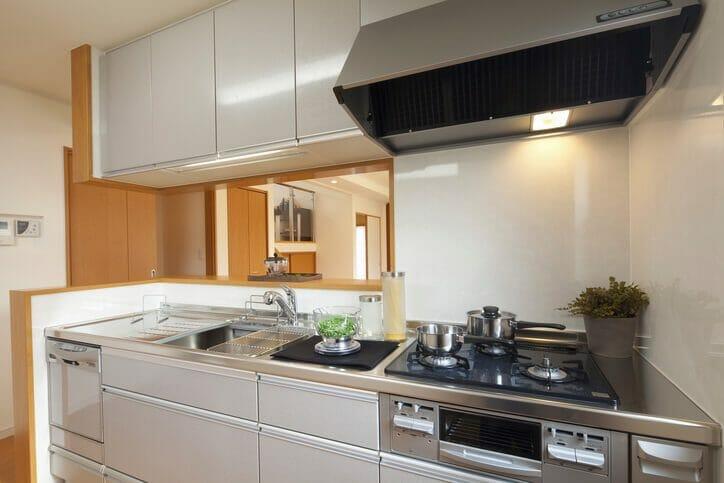 キッチンの水漏れ修理にかかる費用は?水漏れの原因も解説