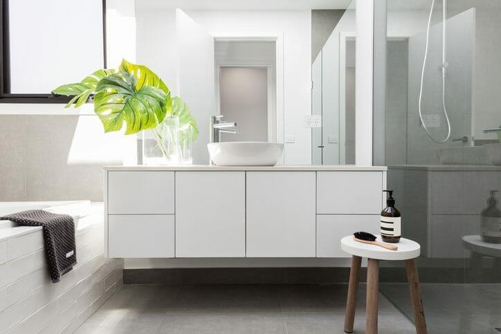洗面所の床が腐るのを防ぐおすすめ床材とリフォーム費用相場について解説
