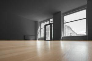 床が黒く変色したら…黒ずみの原因や対処法・予防対策を徹底解説
