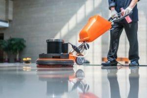 床下浸水処理を業者に依頼するメリットとは?