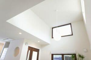 民泊施設に適した天井リフォームのポイントは?費用も解説