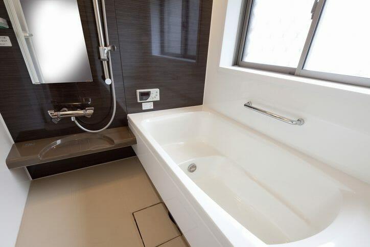 お風呂の水漏れ修理にかかる費用は?水漏れの原因も解説