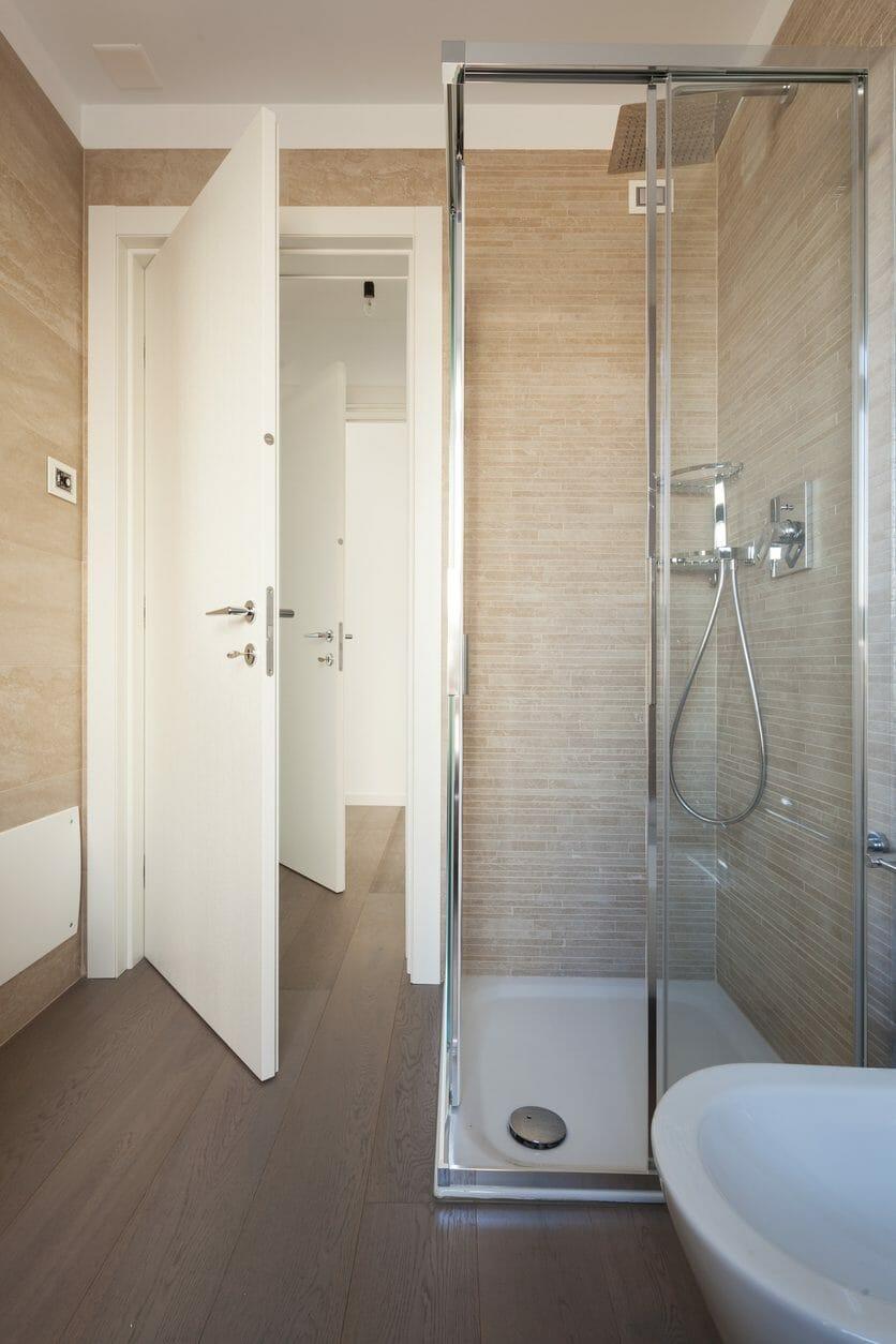 シャワールームの取り付けや増設にかかる設置工事費用は?