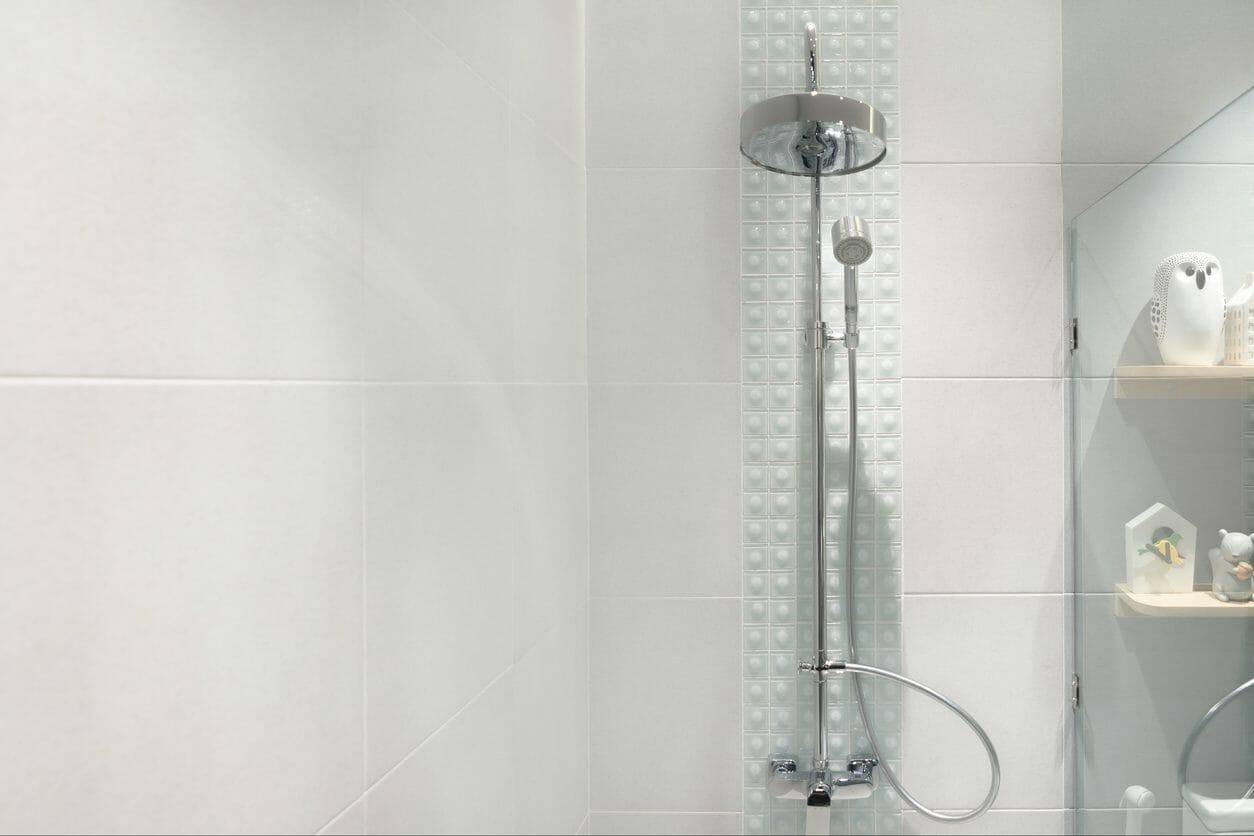 お風呂のシャワーの取り付けにかかる費用や工事とは?