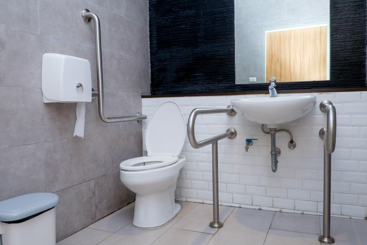 トイレの増設や増築リフォームにかかる費用は?