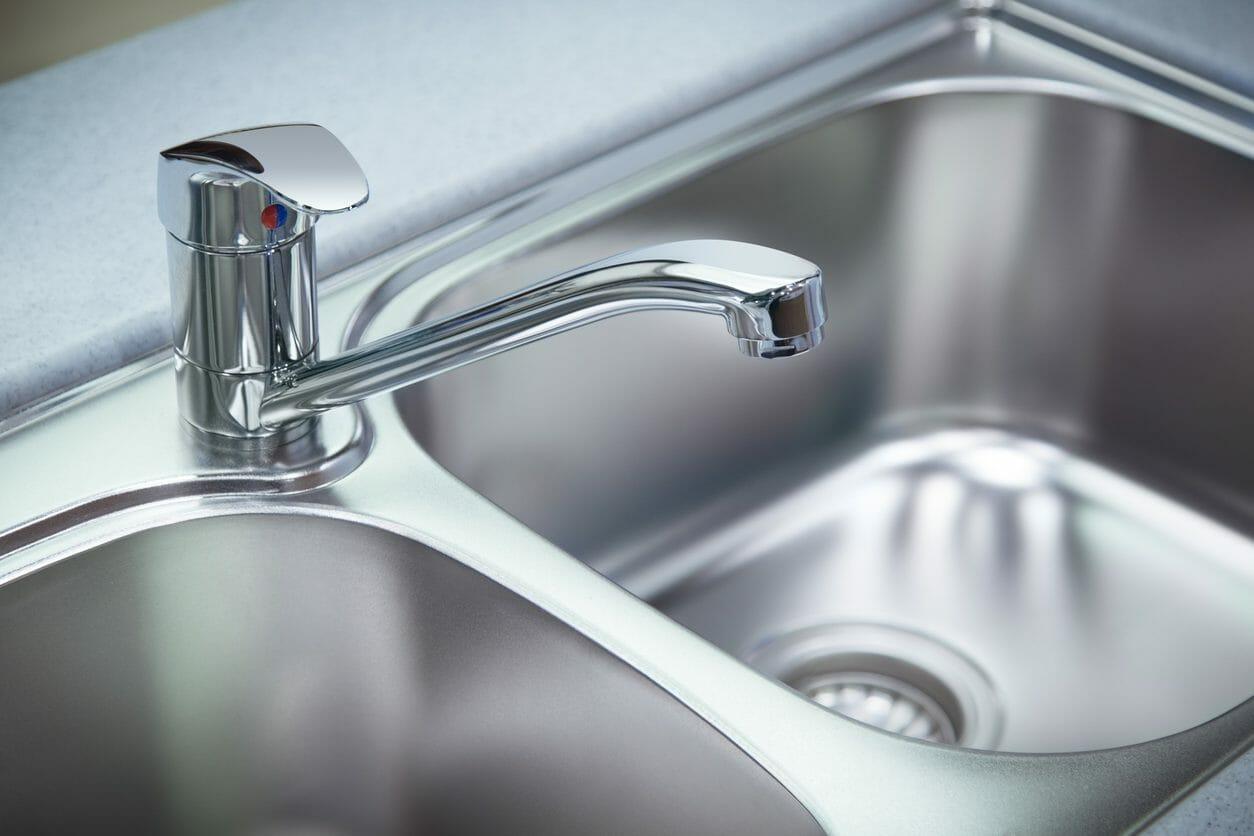 キッチンの水栓や蛇口の交換にかかる費用や価格は?