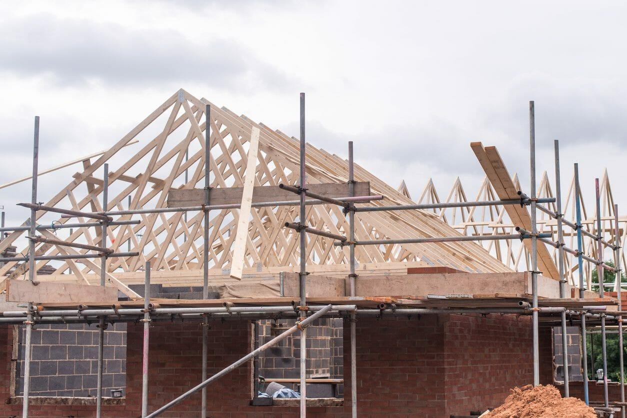 築40年の住宅のリフォームと建て替えを比較!耐震が気になる方必見!