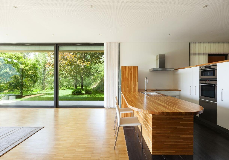二世帯住宅のリフォームと建て替えを比較!完全分離型、半同居型などの費用相場も紹介します