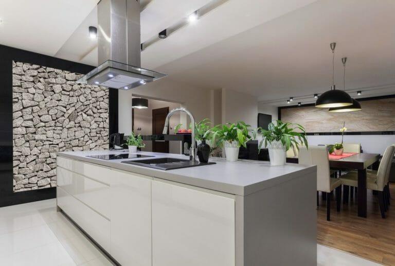 オープンキッチンの特徴やメリットを解説!独立型との違いは?