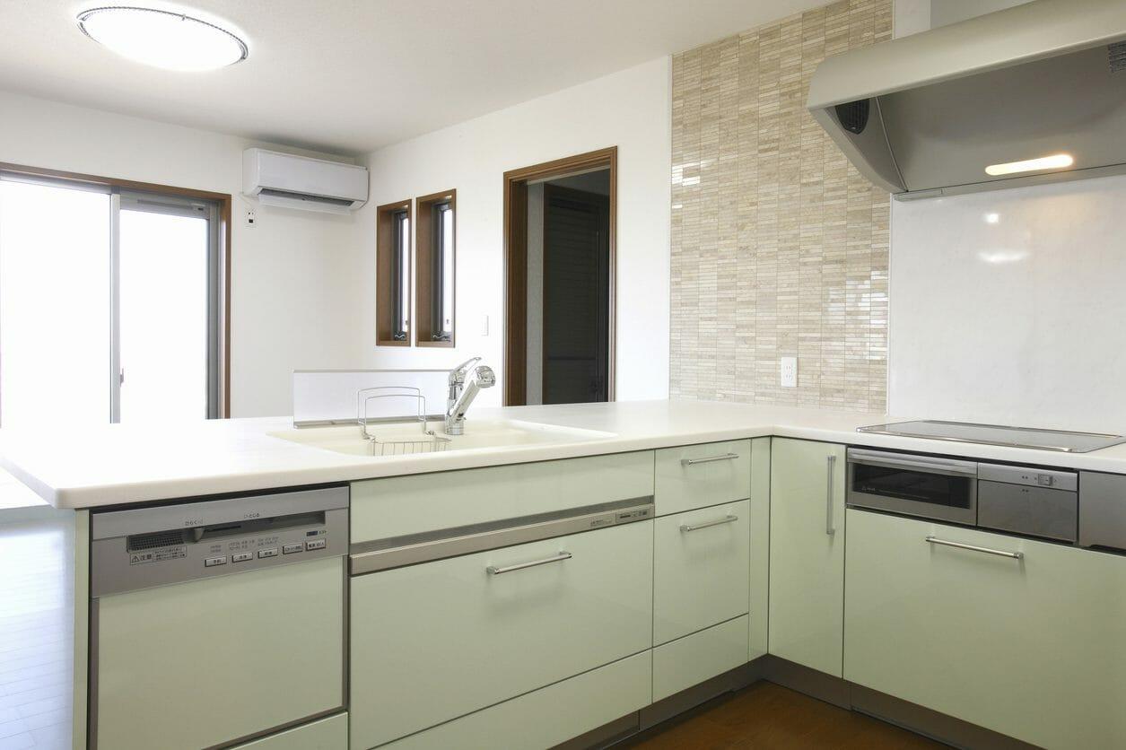 壁付け型?対面型?おすすめで使いやすいキッチンレイアウトをご紹介!